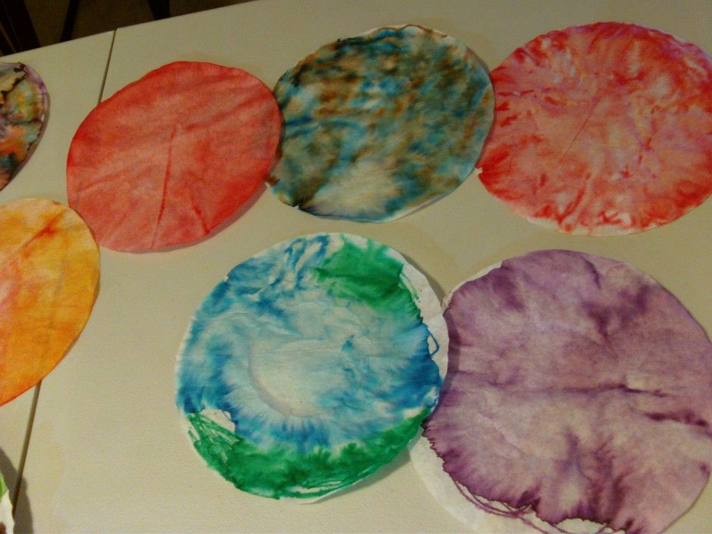 Coffee filter planets cool so easy just washable for Planet crafts for kids