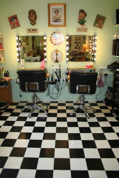 1950s Nina S Hair Parlor Via Vintage Beauty Salon Hair Salon Decor Beauty Salon Decor
