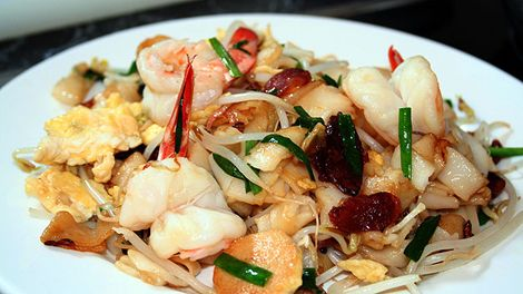 Food safari char kway teow a malaysian food pinterest foods char kway teow recipe sbs food rice noodles stir fried with lap cheoung prawns fish balls forumfinder