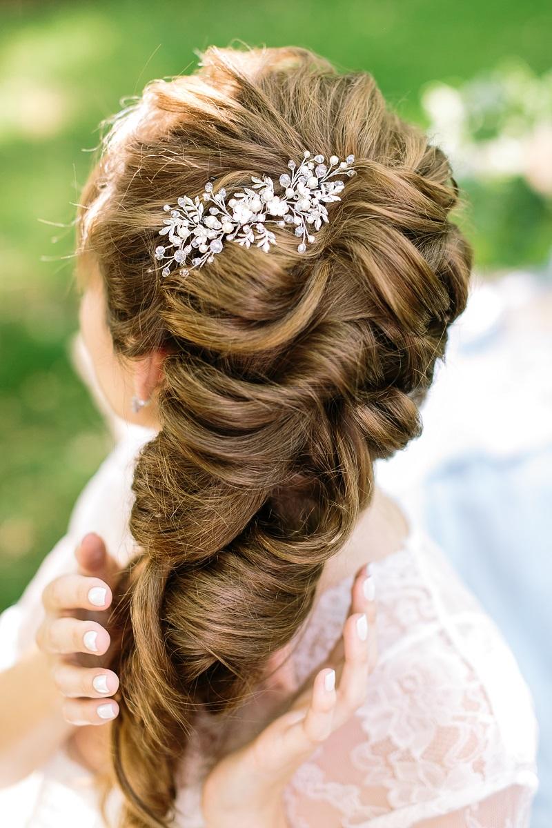 Brautfrisur seitlich tragen? 30 stilvolle Ideen