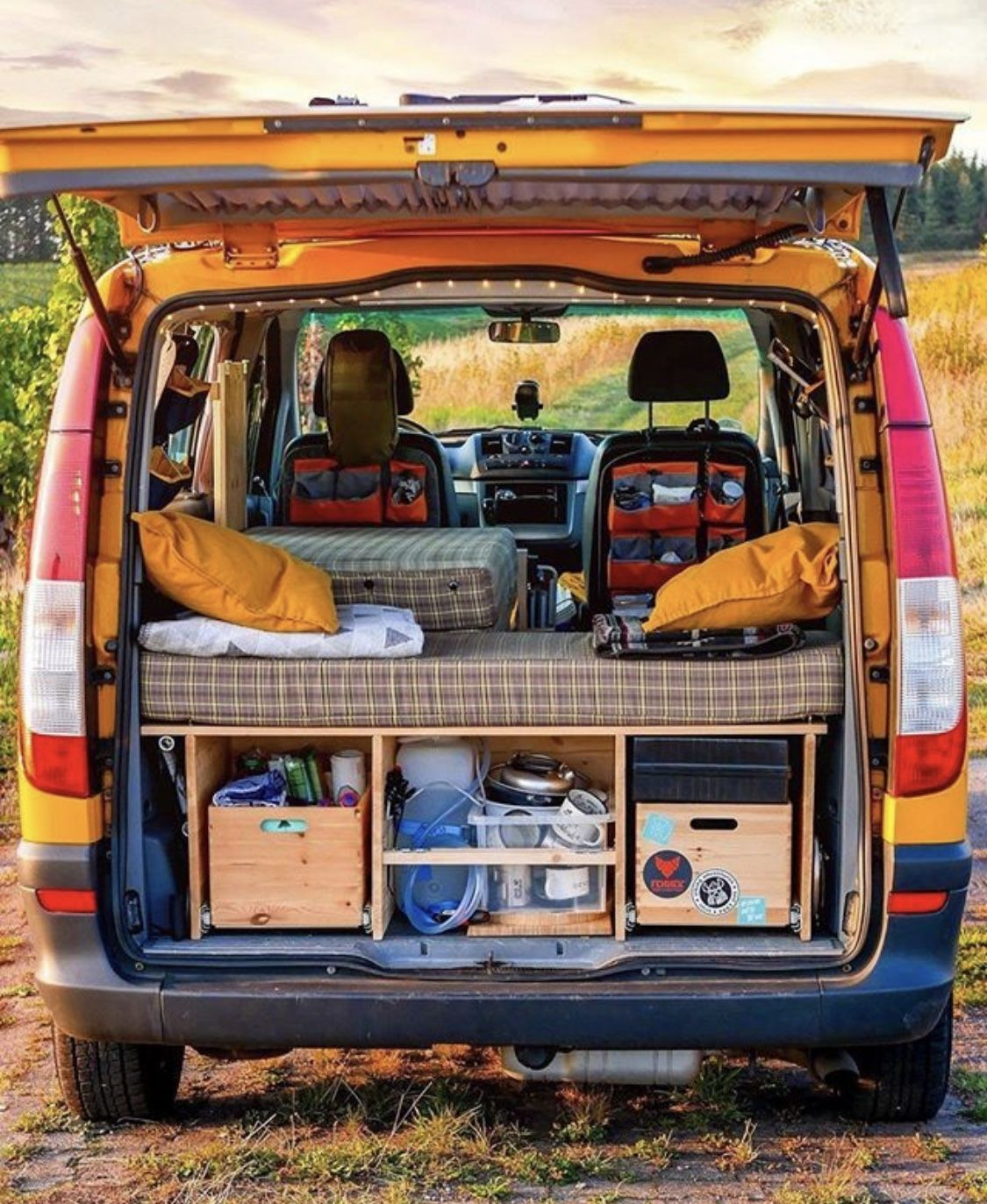 Pin von charlotte auf van inspiration campingbus ausbau