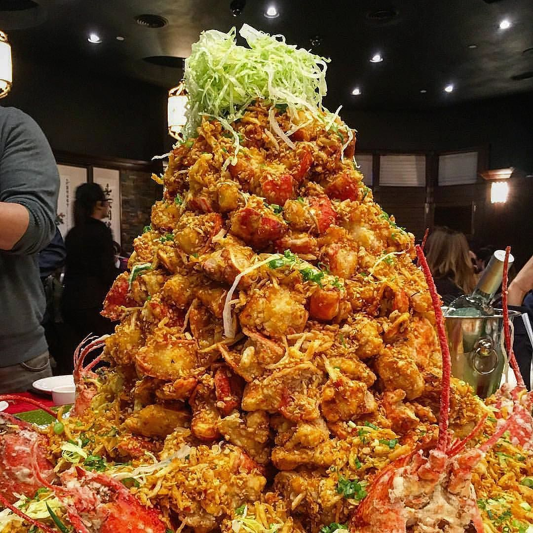 Behold Lobster Mountain Photo 25 Lb Of Deep Fried Lobster With