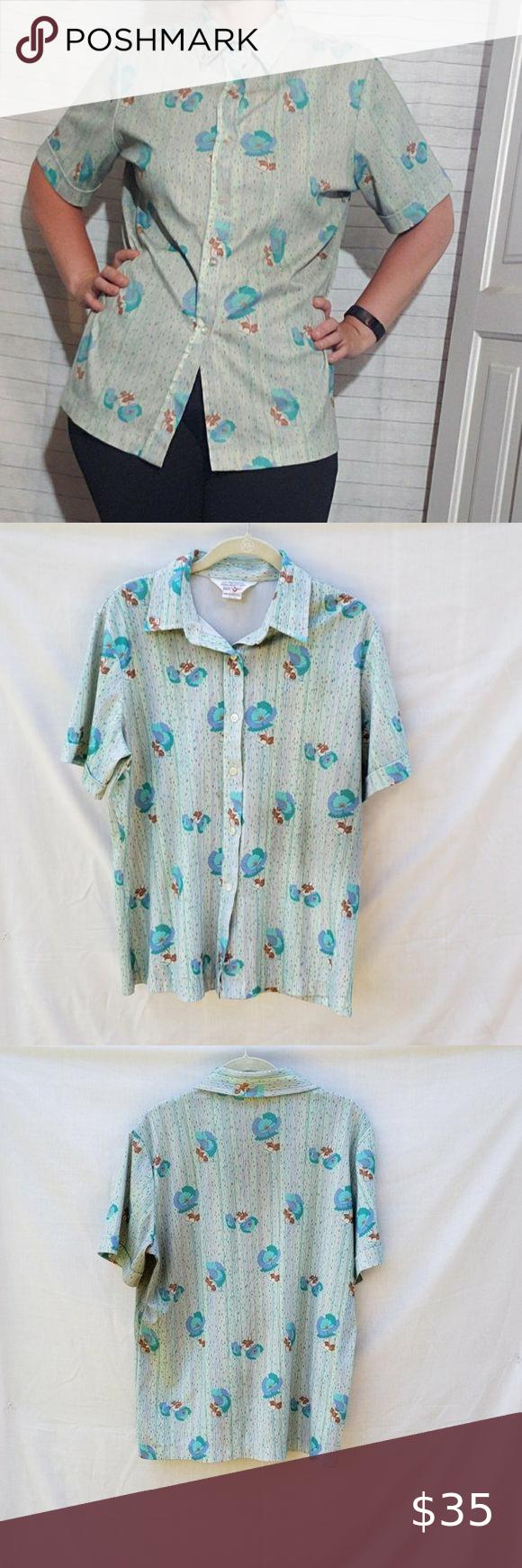 Vintage 70s Short Sleeve Floral Poly Blouse