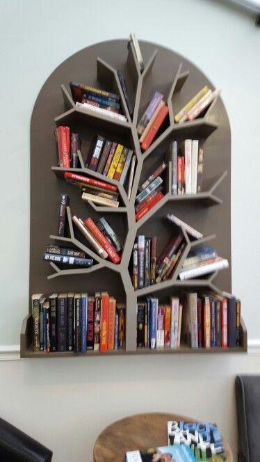 Pingl par kellie pitman sur books worth reading for Decoration interieur bibelot