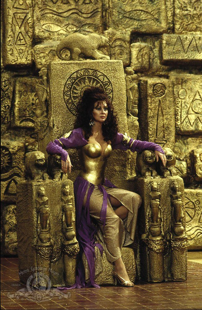 Cassandra Peterson In Allan Quatermain And The Lost City Of Gold
