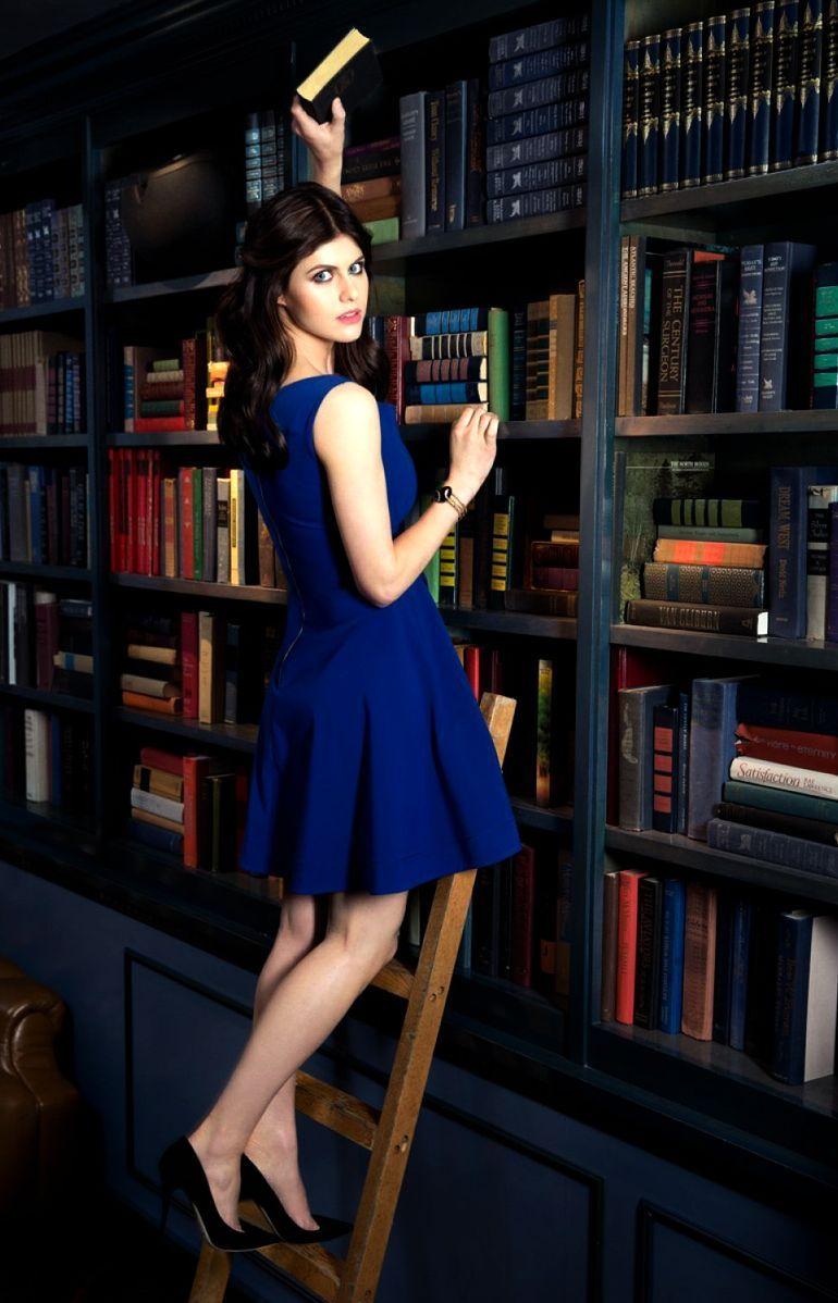 Alexandra Daddario, tópic de extrema necesidad - Página 2 054365df70a4413295025fbd6bc2fabb