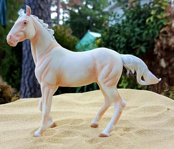custom LSQ CollectA Akhal Teke Mare - Customizer Jessica Saucier - model horse