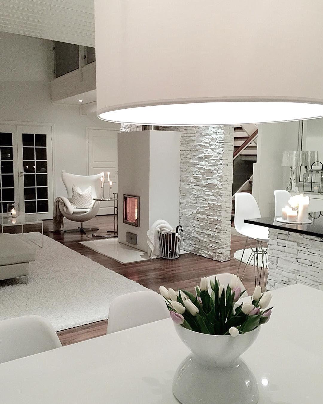 P ivi interior lifestyle p ivi pkliving on for Mobilia instagram