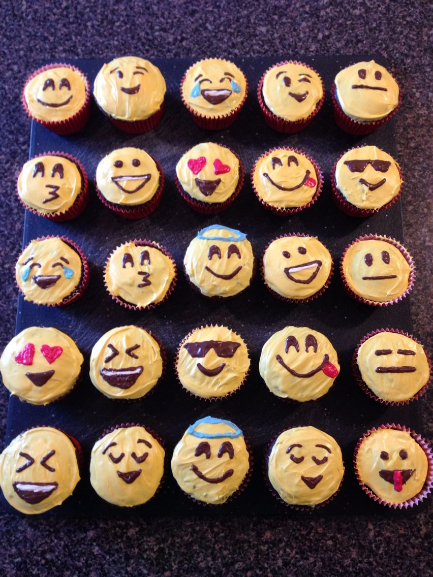 Emoji Cupcakes Cakes And Cup Cakes Gateau Fete Décoration