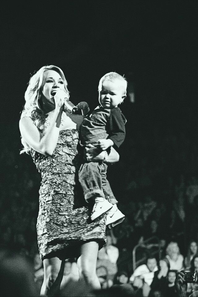 Carrie & her nephew aweeeeee | Carrie underwood, Female ...