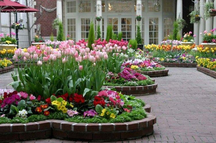 Hochbeet Aus Stein Klein Blumen Bepflanzen Grosser Garten Tulpen