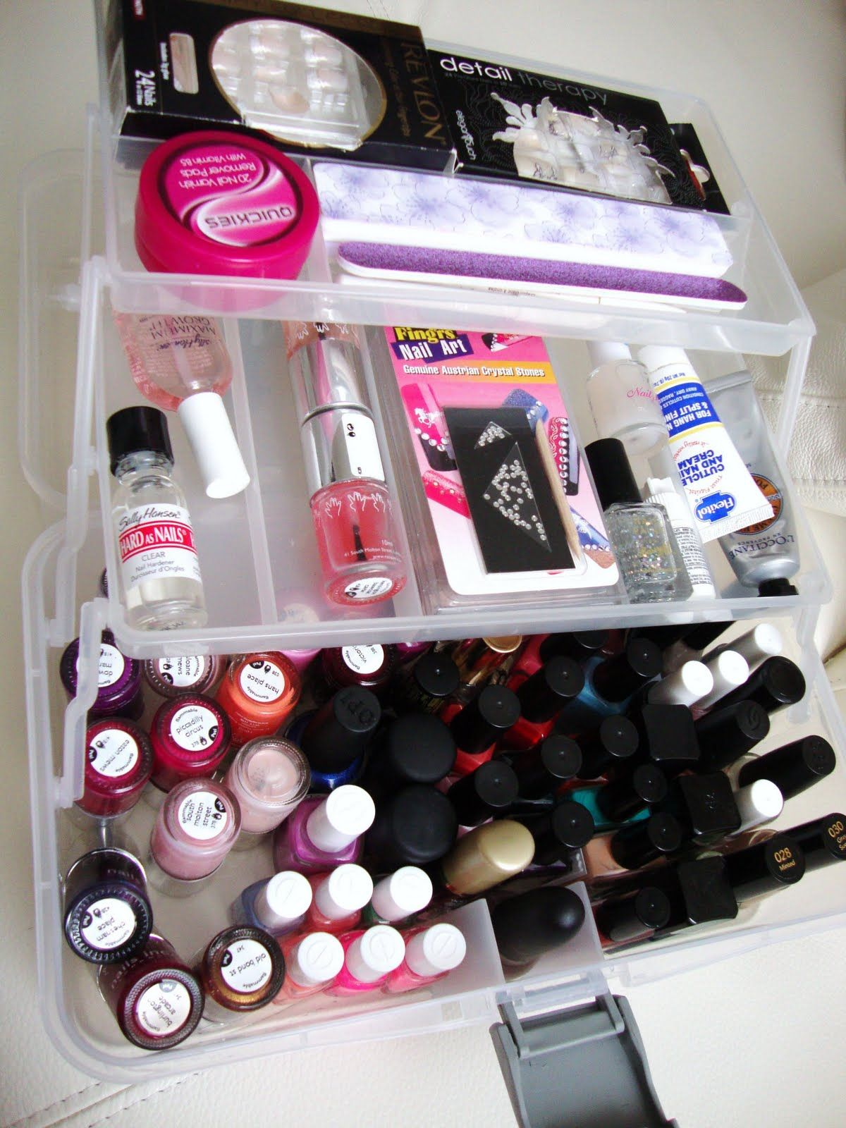 Nail polish and accessories caddy / using artists storage box
