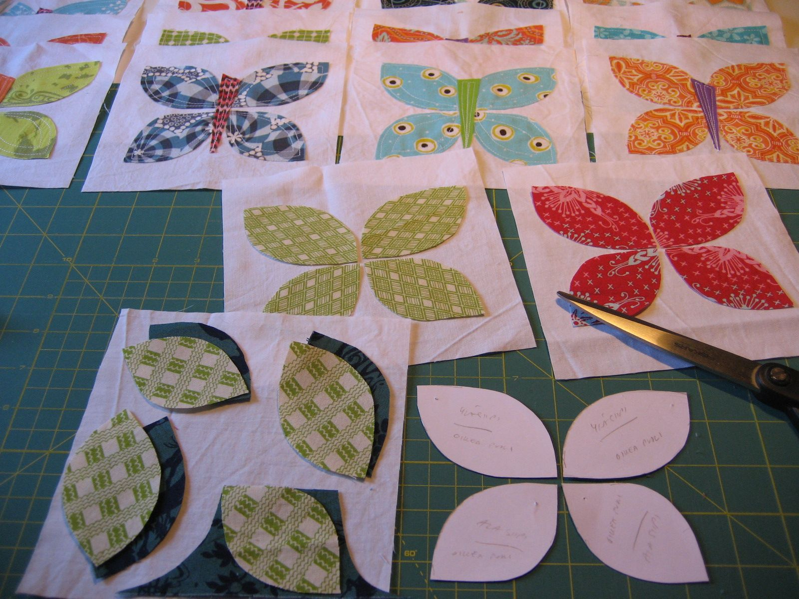 Blogger's Quilt Festival: 'BUTTERFLIES' | Patterns, Search and Raw ... : butterfly quilt blocks - Adamdwight.com