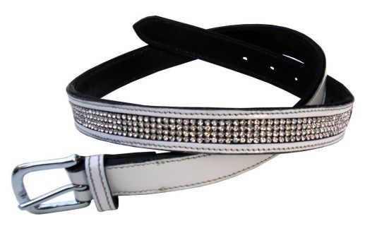 These gorgeous patent leather bling belts will complete your riding outfit.  Available in black or white in various lengths.  Please measure carefully on a belt you currently wear.  Measurements are taken from where the leather meets the buckle to the middle hole.NO RETURNS ON SALE STOCK