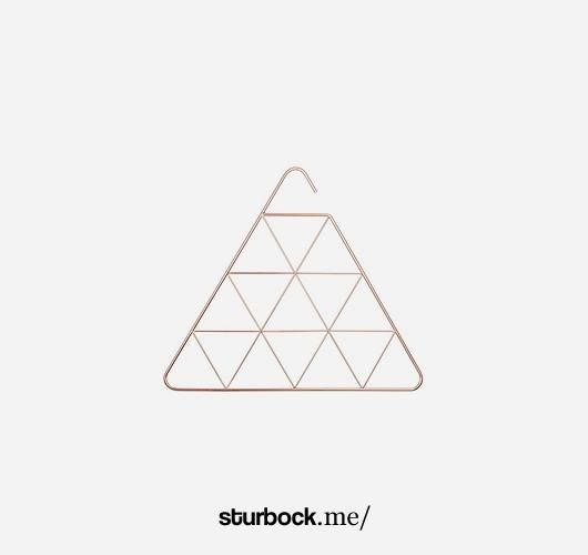 Kleiderbügel mit 15 Dreiecke zu Aufhängen aus verkupferten Metall. Hier entdecken und shoppen: http://sturbock.me/XTs