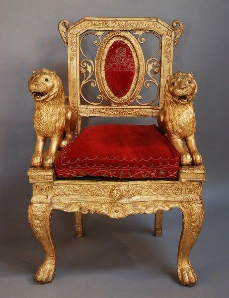 Mediados / finales del siglo 19 la silla trono indio con acabado de oro, posiblemente de la región de Bengala