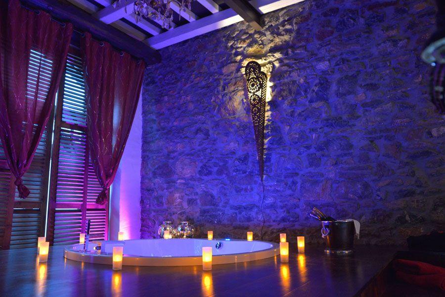 Pin By Olga Urbanova On Romantic Bathtubs Secret Rooms Romantic Bathtubs Dream Rooms