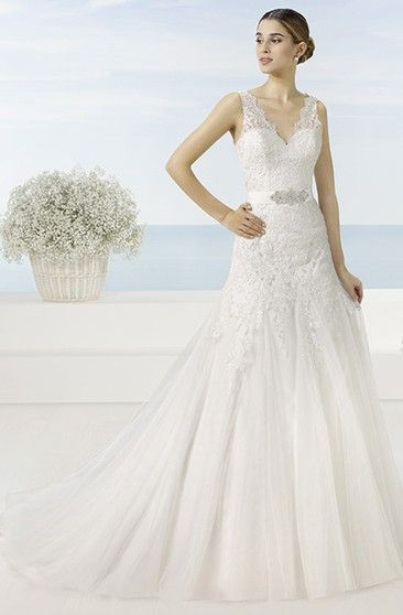 b730d20a8e0 A-Line V-Neck Sleeveless Appliqued Long Lace Tulle Wedding Dress With Waist  Jewellery And Pleats