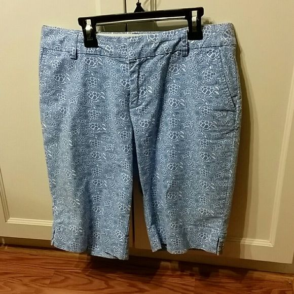 Capris So cute, a must have for a walk on the beach or a day on the water. Sea turtle print. Vineyard Vines Pants Capris