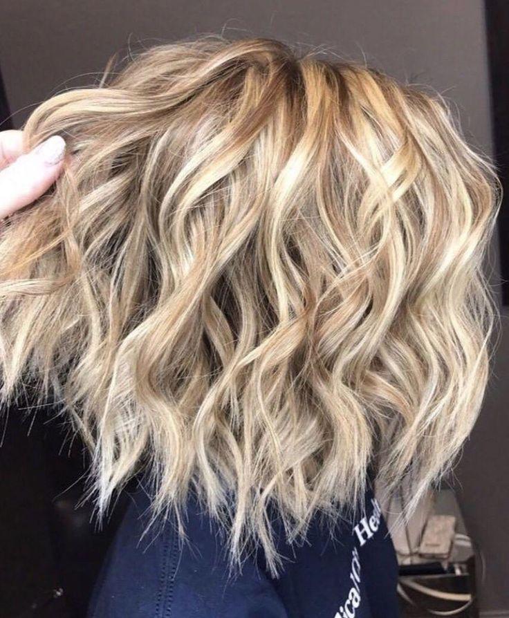Medium Curls On Short Hair Longhaircurls How To Curl Short Hair Medium Hair Styles Hair Styles