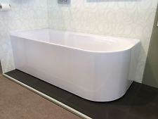 Freestanding corner bath 1500