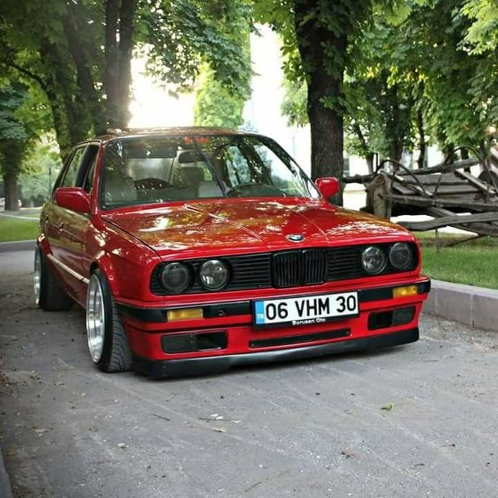 bmw e30 3 series red | garage | voiture