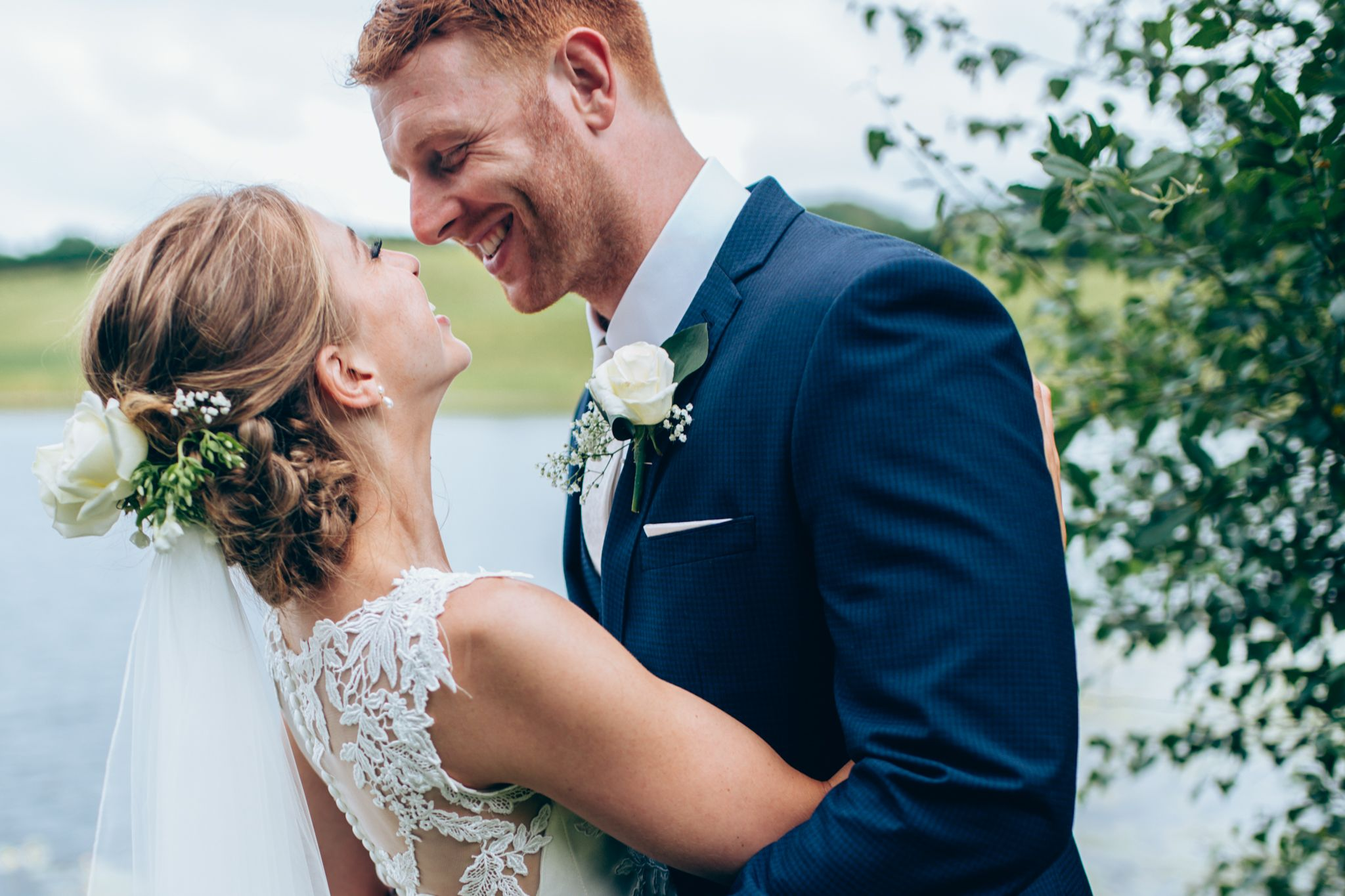 What a stunning bride and groom such a beautiful summer wedding at