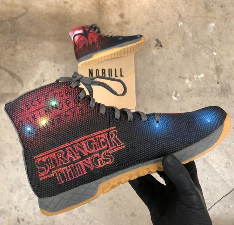 chaussure stranger things adidas