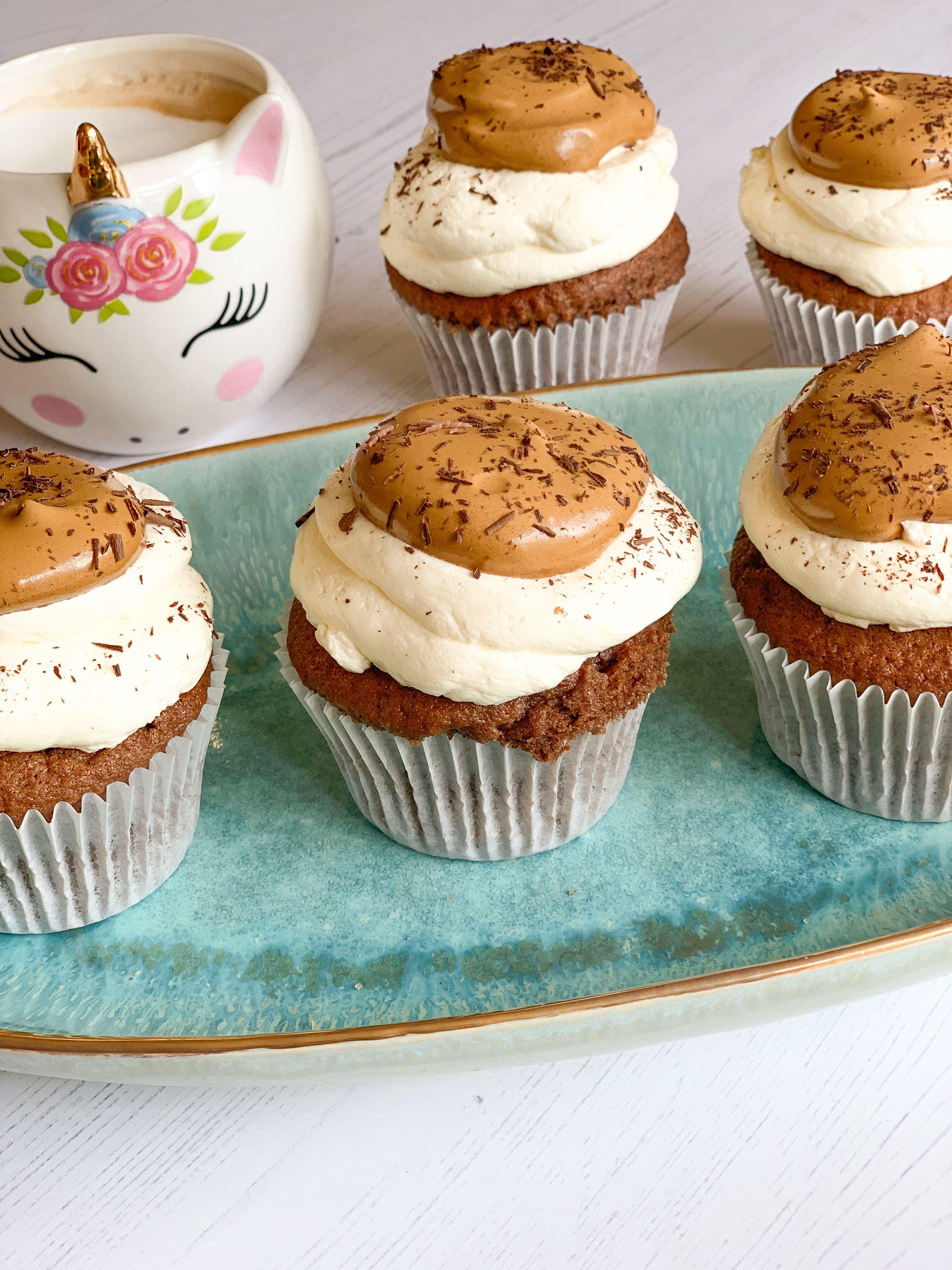 Dalgona Coffee Cupcakes in 2020 Food, Love food, Dessert