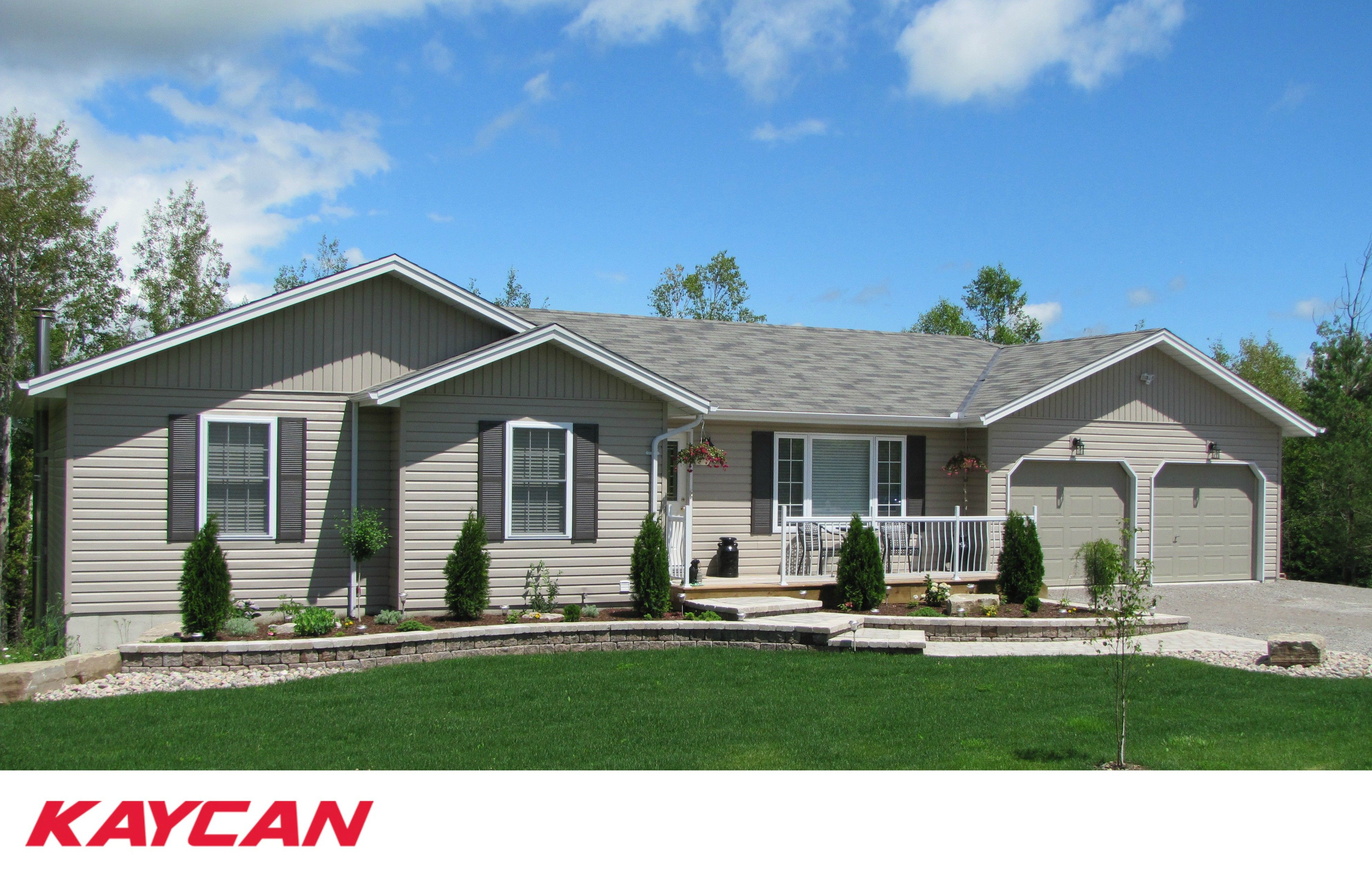 Vinyl Siding Dramatically And Cost Effectively Transforms The Exterior Of Any Home Kaycan S High Perfor Vinyl Siding Vinyl Siding Manufacturers House Exterior