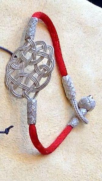 Der #ENDLOSknoten: Ein #magisches zeitloses #Symbol der #unendlichen #Liebe & Verbundenheit, des #Glücks und der #Treue. i-must-have.it #Geschenkidee #Silberarmband #Silberschmuck #Armband #Freundschaftsband #Valentinstag
