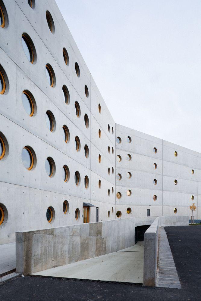 Research Library in Hradec Kralove / Projektil Architekti #architecture
