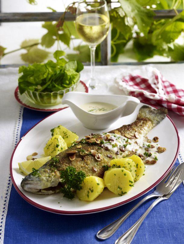 Forelle Müllerin-Art mit Weißweinsoße #seafooddishes