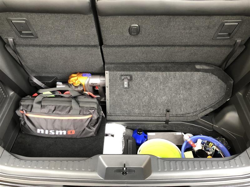これで上に荷物があっても出し入れが楽になります ほとんど洗車道具