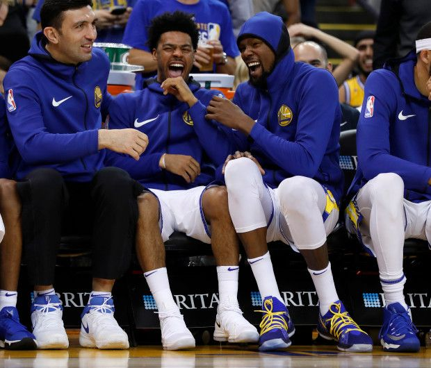 Warriors Come Out And Play Golden State: Golden State Warriors' Quinn Cook (4) And Golden State