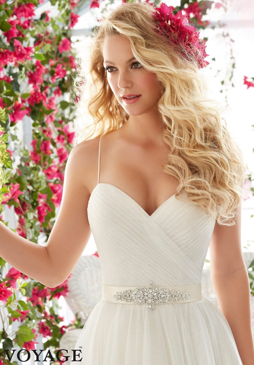 Gold white wedding dress  Accessorize your Look with Fresh Flowers  Bunchesdirect  Wedding