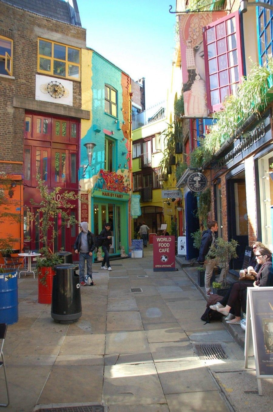Neal 39 S Yard One Of The Most Beautiful Streets In London England Favorite Places Spaces