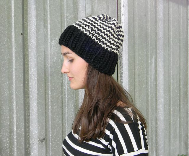 Zig Zag Beanie pattern by Justyna Srock | Rosario
