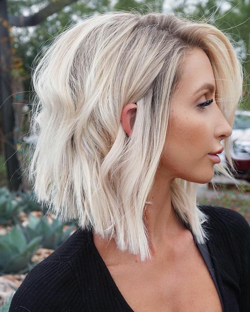Best Short ﹠ Mediumlength Hair Color And Style Ideas For Spring in 2020 | Lob haircut, Inverted ...