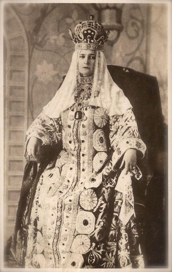 Tsarina Alexandra Feodorovna as the 17th-century Tsarina Maria Ilyinichna