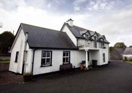Bru An Tsosa Camlough, Newry, Armagh, Northern Ireland, (Sleeps 1 - 7), Holiday. Travel, Relax, Lake, Historic, Walking.