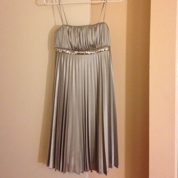 Gorgeous silver dress! This is a beautiful and flowy dress! My Michelle Dresses