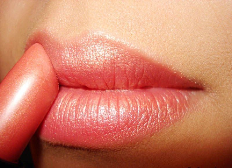 Best Lipstick Color for Fair Skin and Dark Hair | Lipstick for ...