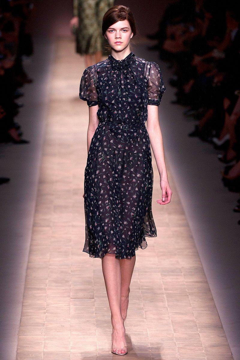 Pin de Alejandra Susa en Valentino | Pinterest | Alta costura ...