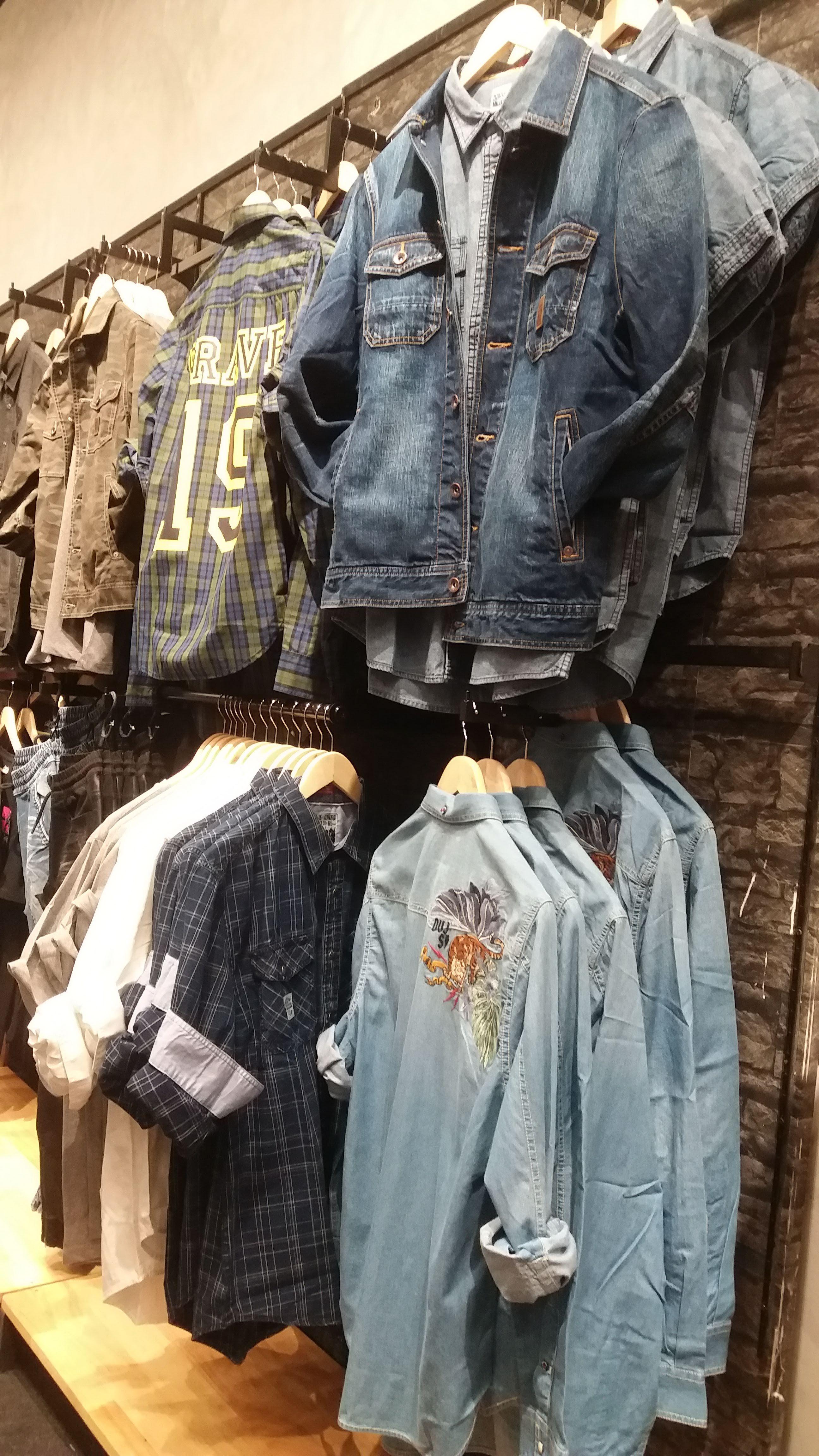 visual merchandising design kiniku clothing store design on walls coveralls website id=47644