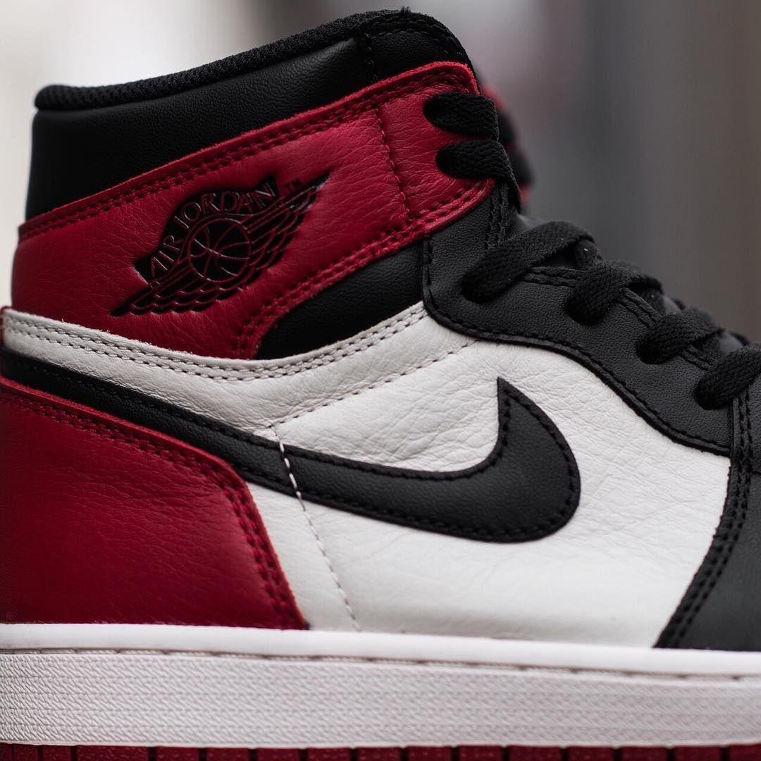 20182017 Fashion Sneakers Nike Jordan Mens Air Jordan 1 Retro High Basketball Shoes No Taxes