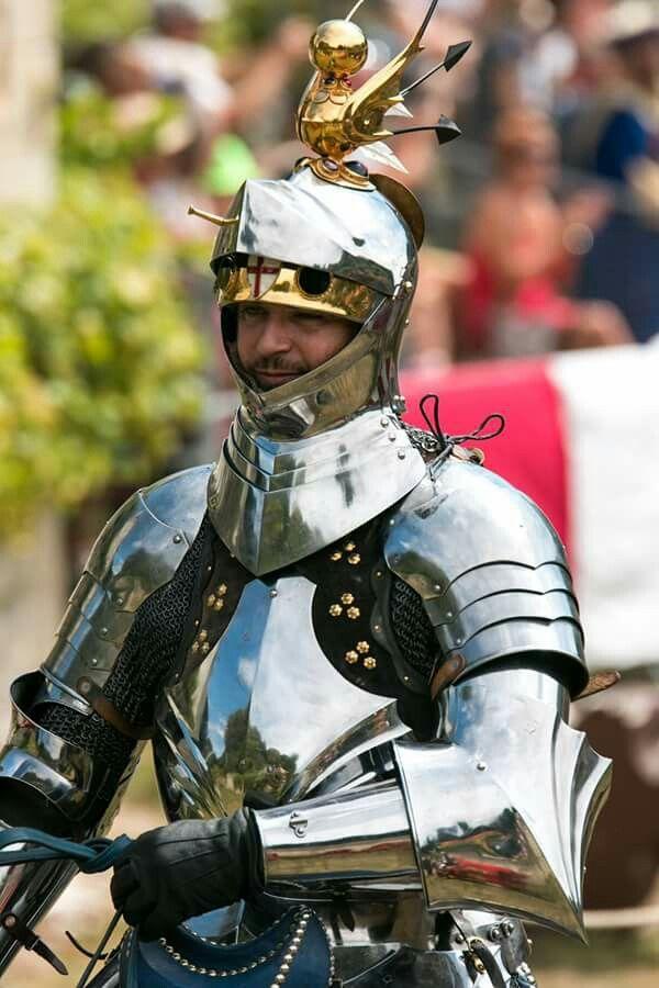 как правильно одевать рыцарские доспехи фото россии