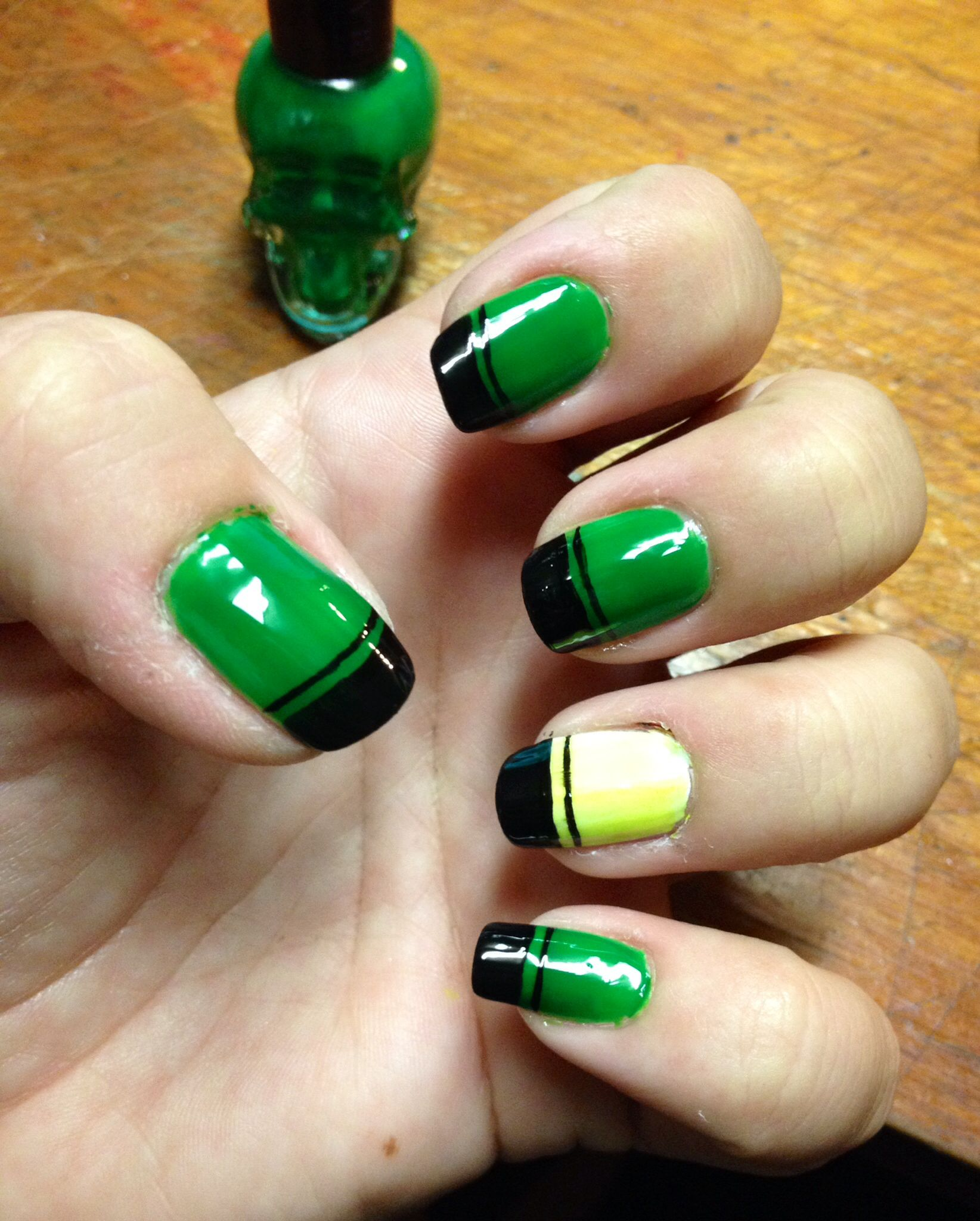 DIY simple nail art design. Solid color with black tips and stripe ...