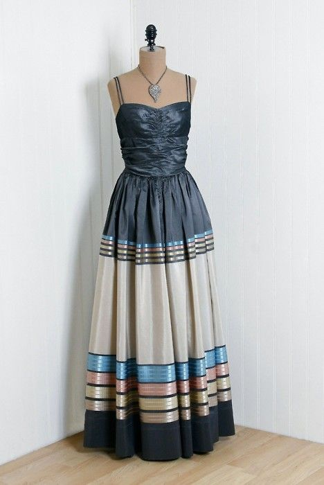 1940s dress via Timeless Vixen Vintage | 1940 Fashion History ...