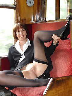 Sara a red day mature upskirt